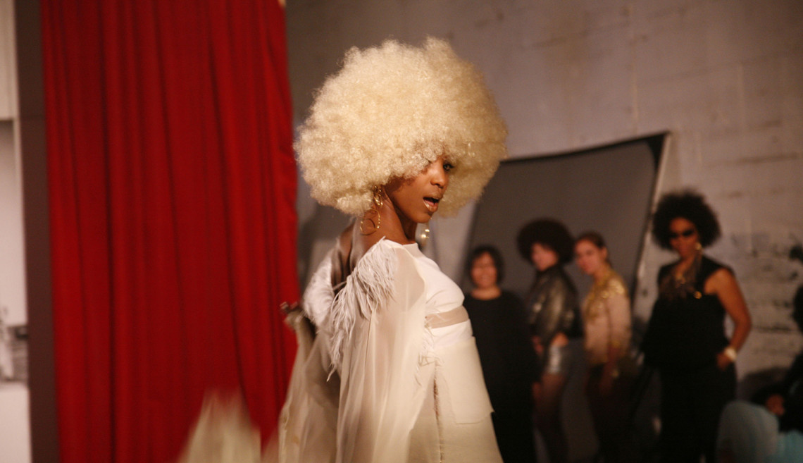 Afro-Chic (video still), 2010. DVD, 5 minutes, 30 seconds. Courtesy of the artist and Jack Shainman Gallery, New York. © Carrie Mae Weems.
