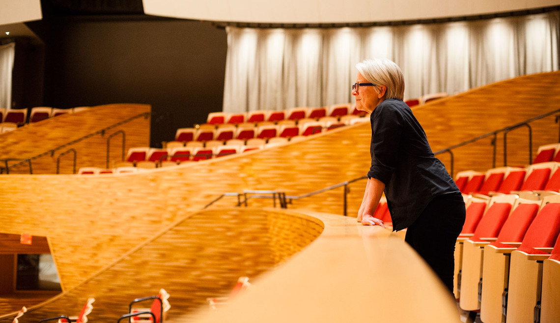 Visiting Artist Ann Carlson views a rehearsal of The Symphonic Body: Stanford.