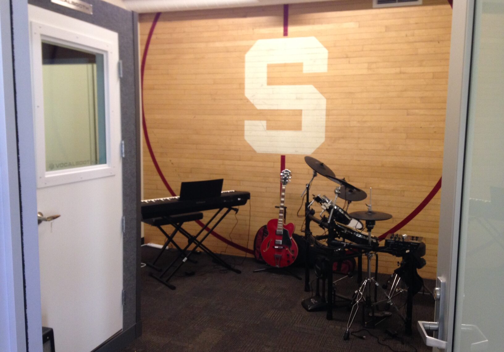 Roble Arts Gym music room